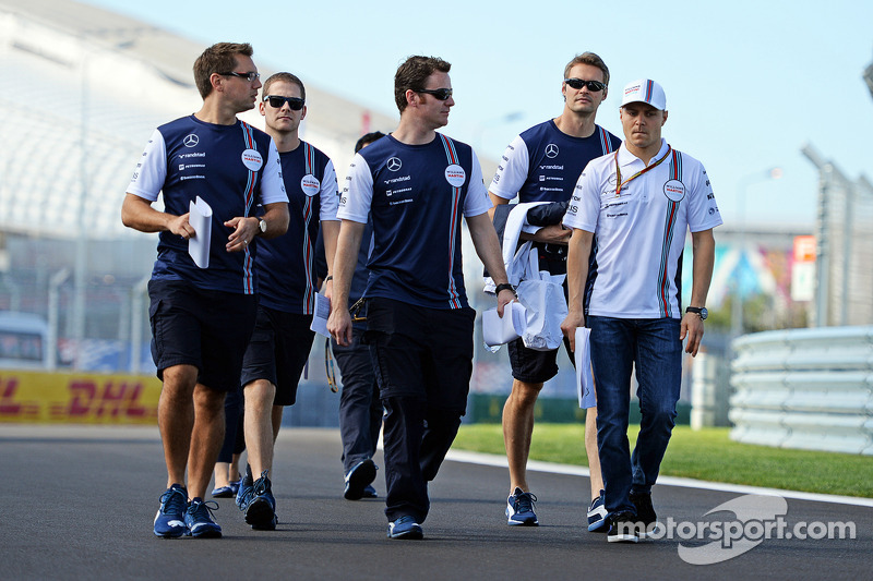Valtteri Bottas, Williams, cammina nel circuito