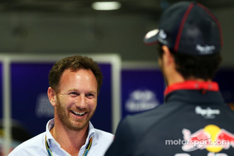 (L to R): Christian Horner, Red Bull Racing Team Principal with Daniel Ricciardo, Red Bull Racing