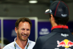 Christian Horner, director de Red Bull Racing con Daniel Ricciardo, Red Bull Racing