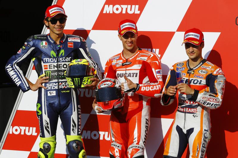 Ganador de la pole Andrea Dovizioso, Ducati Team, segundo lugar Valentino Rossi, de Yamaha Factory Racing, el tercer puesto de Dani Pedrosa, Repsol Honda Team