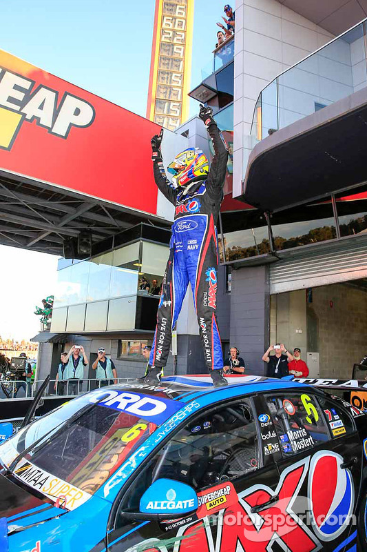 Vencedor corrida Chaz Mostert celebra