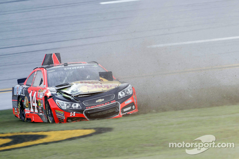 Tony Stewart, Stewart-Haas Chevrolet en problemas