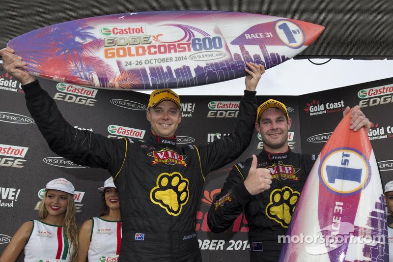 Ganadores de la carrera Shane van Gisbergen y Jonathon Webb