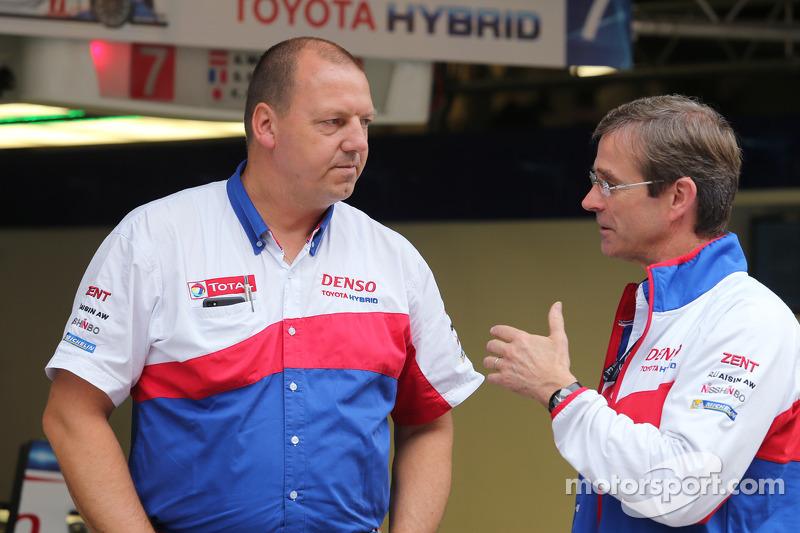 John Steeghs, director del equipo Toyota y Pascal Vasselon, director técnico de Toyota