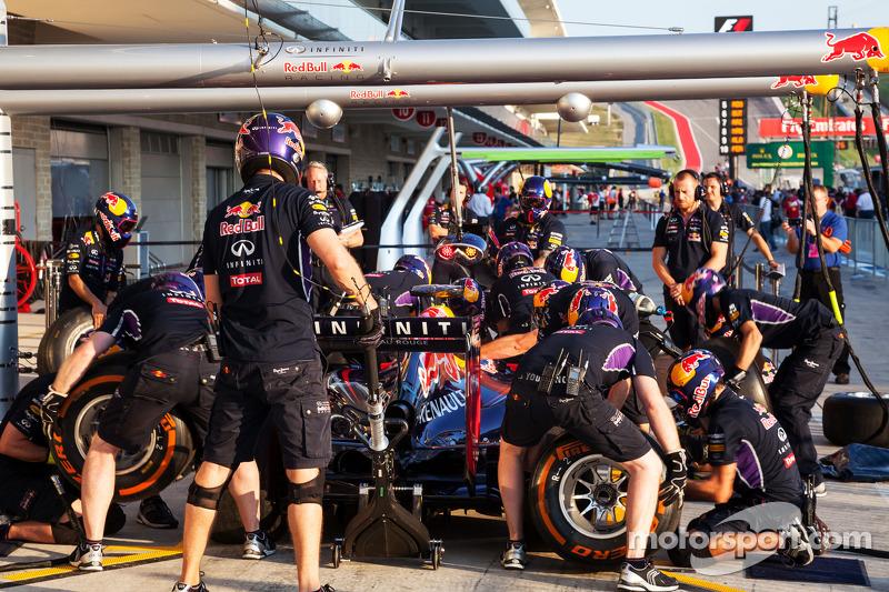 Red Bull Racing paradas en boxes práctica