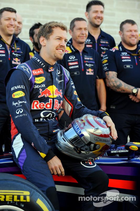 Sebastian Vettel, Red Bull Racing en la foto del equipo