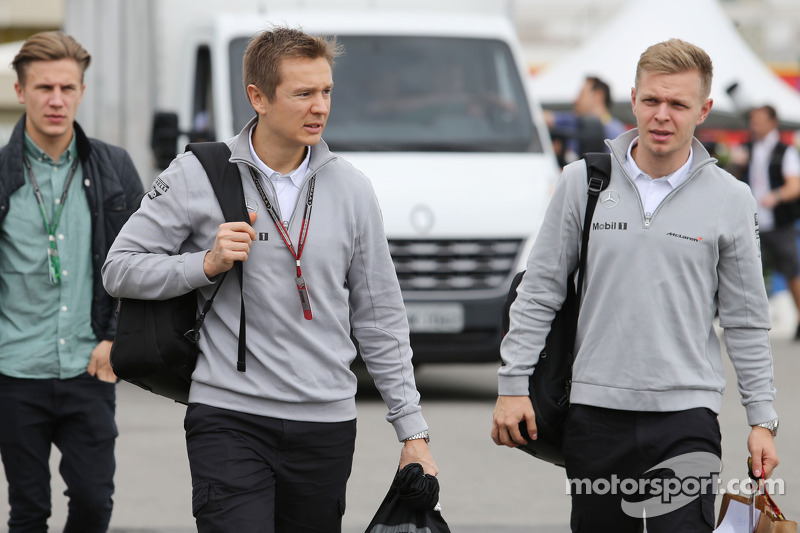 (L to R): Antti Vierula, Personal Trainer with Kevin Magnussen, McLaren
