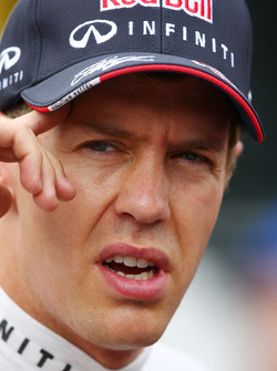 Sebastian Vettel, Red Bull Racing con  la prensa
