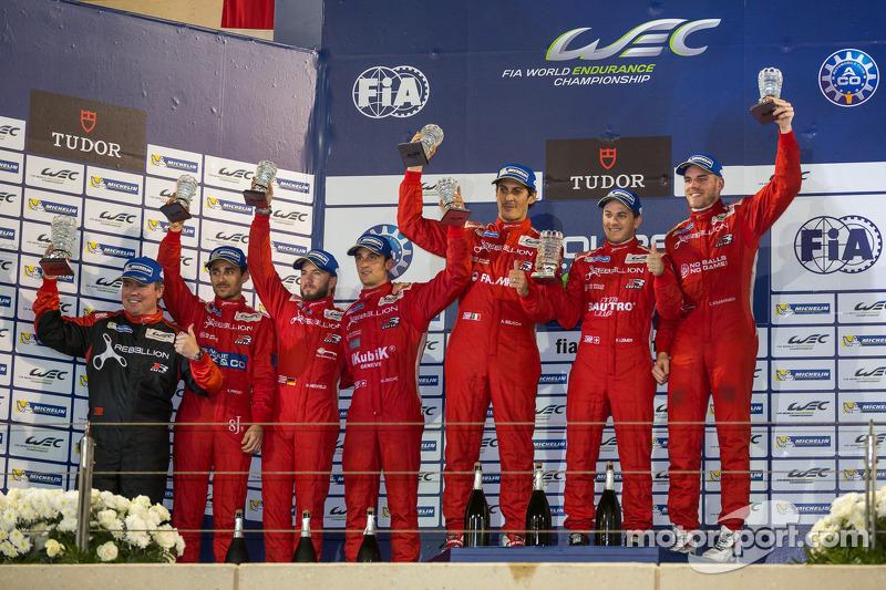 LMP1-L podium: 1er lugar Domenik Kraihamer, Andrea Belicchi, Fabio Leimer; 2do lugar Nicolas Prost, Nick Heidfeld, Mathias Beche