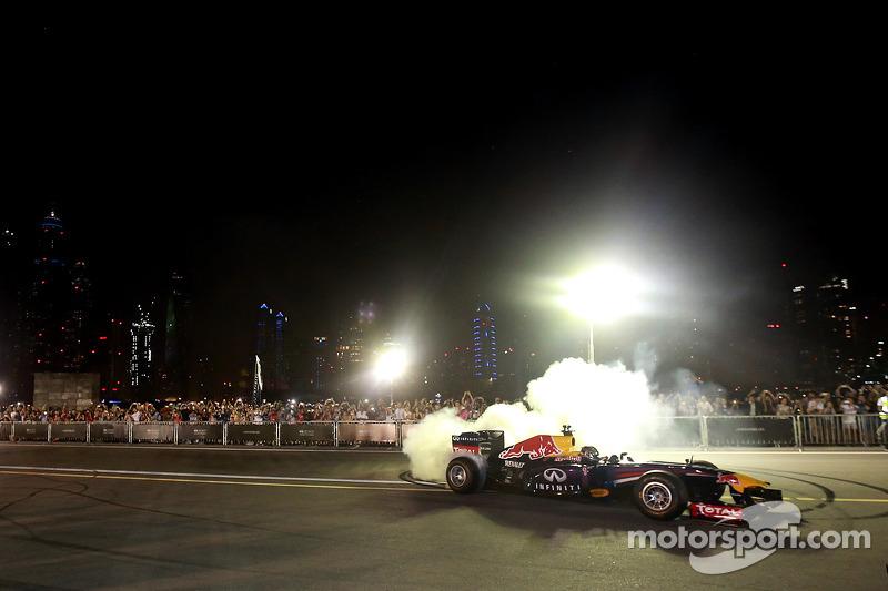 Sebastian Vettel y Daniel Ricciardo en el Infiniti Road show