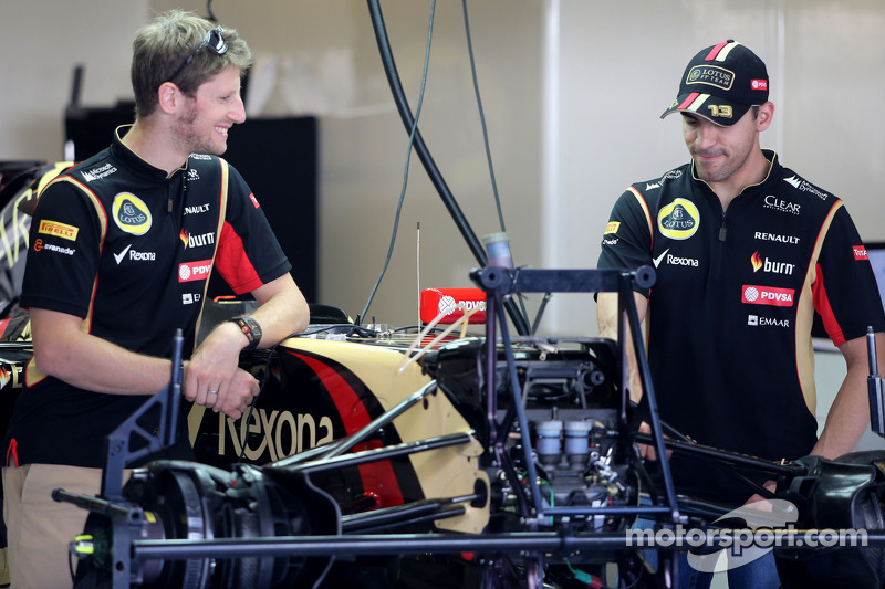 Romain Grosjean, Lotus F1 Team; Pastor Maldonado, Lotus F1 Team