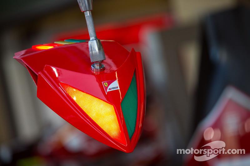 Sistema de indicaciones de Ferrari en una parada de pits