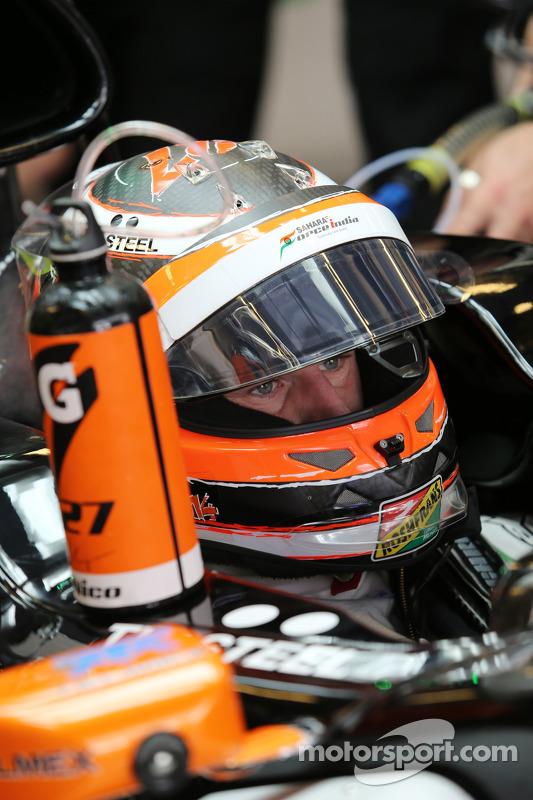 Nico Hulkenberg, Sahara Force India F1 VJM07, nos boxes