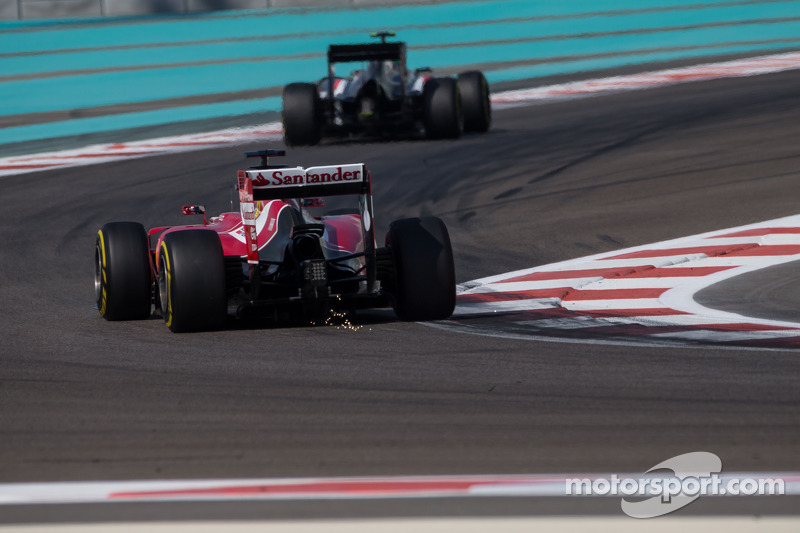 Fernando Alonso, Ferrari F14-T sends sparks flying
