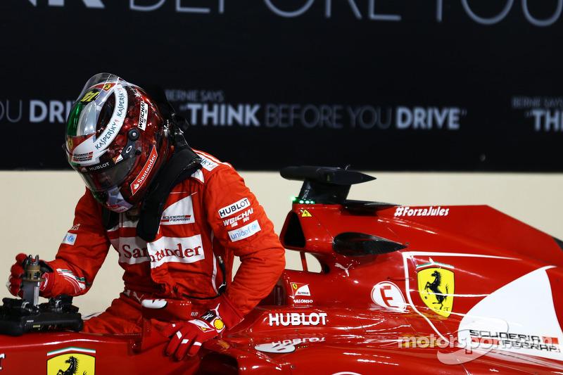 Casco de Fernando Alonso en Abu Dhabi 2014 (su despedida de Ferrari)