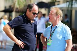 (Links naar rechts): Gerhard Berger, met Jonathan Palmer