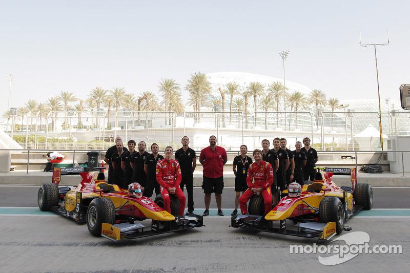 Foto di squadra Racing Engineering