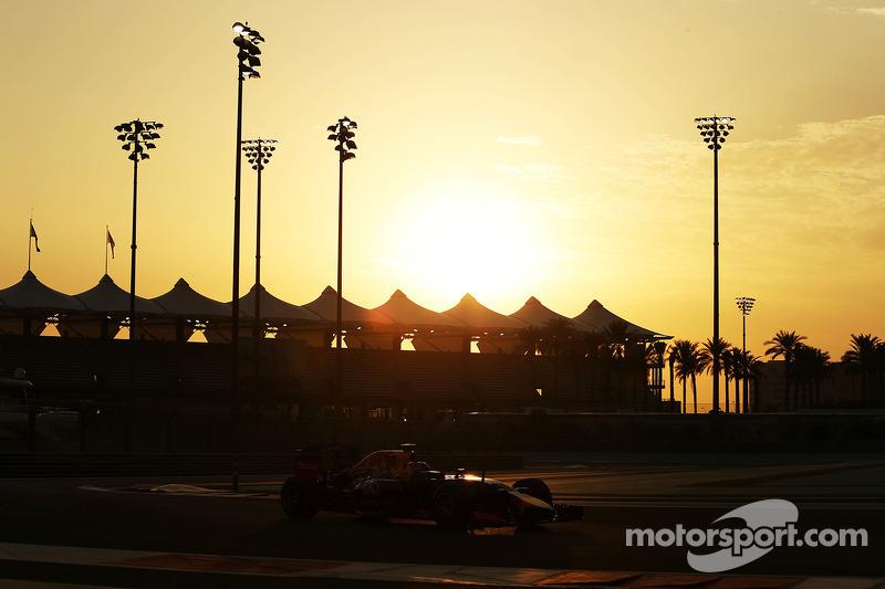 Carlos Sainz Jnr, Red Bull Racing RB10 Test Pilotu