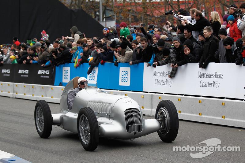Jochen Mass, W25