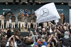 Нико Росберг. Шоу Stars and Cars от Mercedes AMG, Парад.