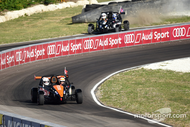David Coulthard goes off as Tom Kristensen takes the win