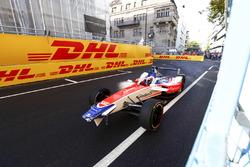 Des dégâts à l'avant pour Felix Rosenqvist, Mahindra Racing