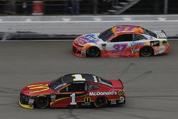 Jamie McMurray, Chip Ganassi Racing, Chevrolet Camaro McDonald's Chris Buescher, JTG Daugherty Racing, Chevrolet Camaro Scott Comfort Plus