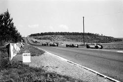 Giancarlo Baghetti, Ferrari 156 leads the Porsches of Dan Gurney, and Jo Bonnier