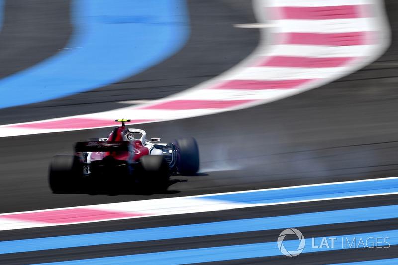 Charles Leclerc, Sauber C37 spins