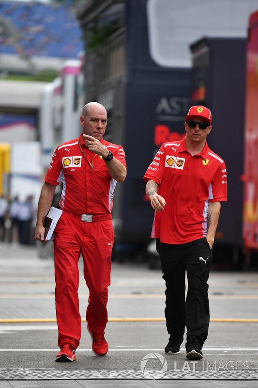 Jock Clear, Ferrari Chief Engineer and Kimi Raikkonen, Ferrari