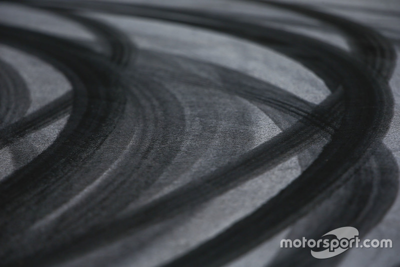 Tyre marks on the circuit