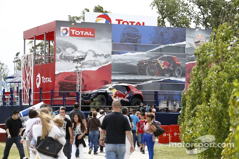 Peugeot-/Total-Stand