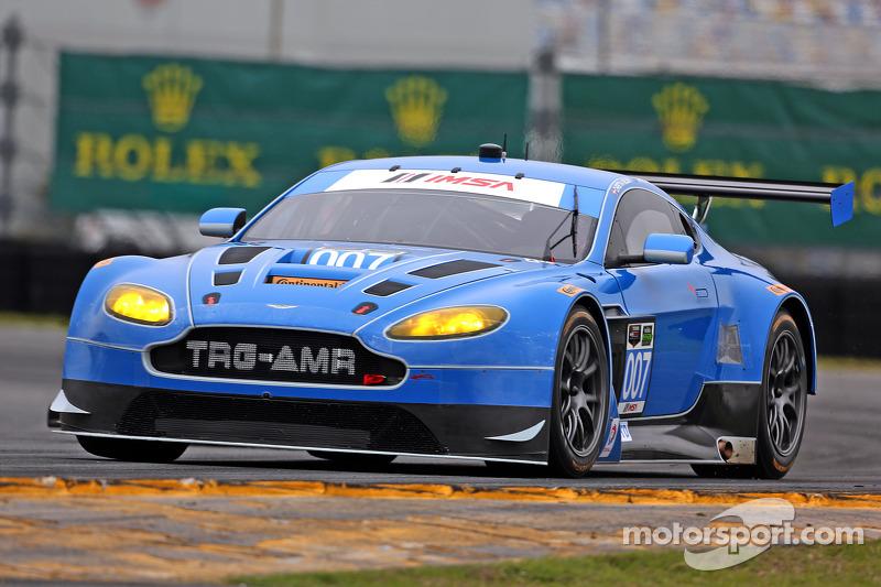 #007 TRG-AMR, Aston Martin V12 Vantage: Brandon Davis, Christoffer Nygaard, Christina Nielsen, James