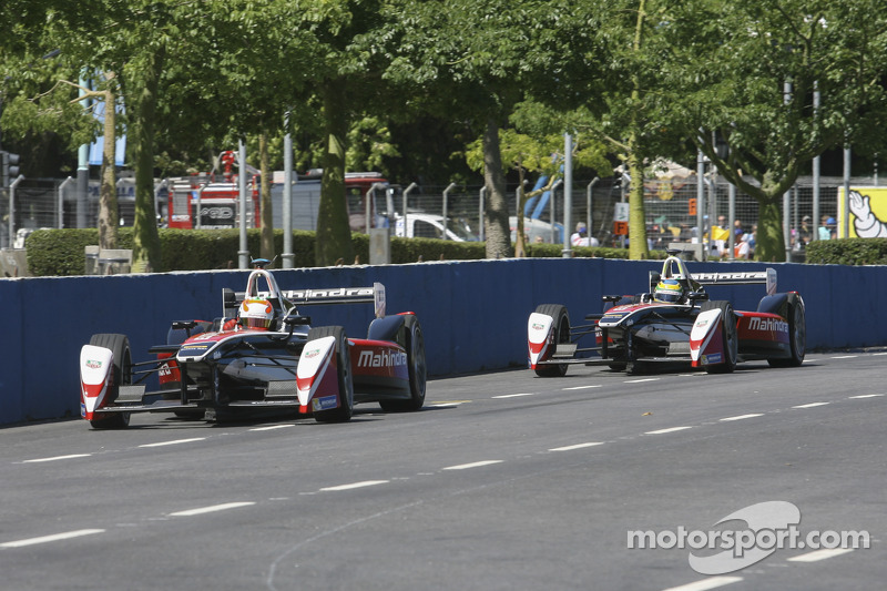 Karun Chandhok, Mahindra Racing, Formula E Team, und Bruno Senna, Mahindra Racing Formula E Team