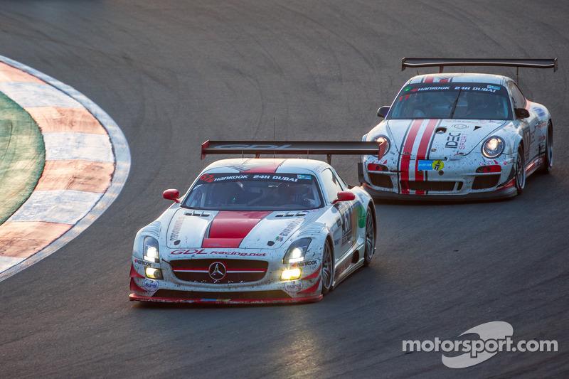 #67 GDL Racing,梅赛德斯SLS AMG GT3: Luc Braams, Max Braams, Duncan Huisman, Hannes Waimer, #17 Ruffier R