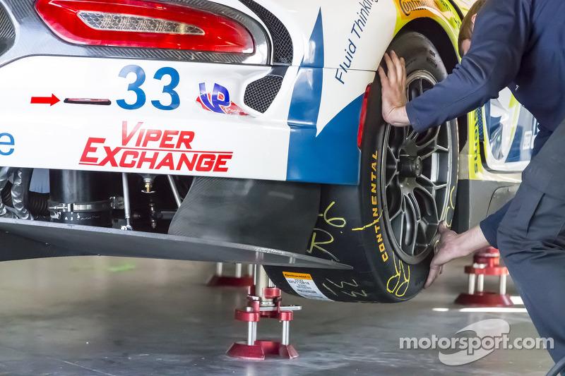 #33 Riley Motorsports, SRT Viper GT3-R: Ben Keating, Al Carter