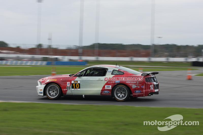 #10 Racers Edge Motorsports, Mustang Boss 302R: Ricardo Flores, Nick Galante