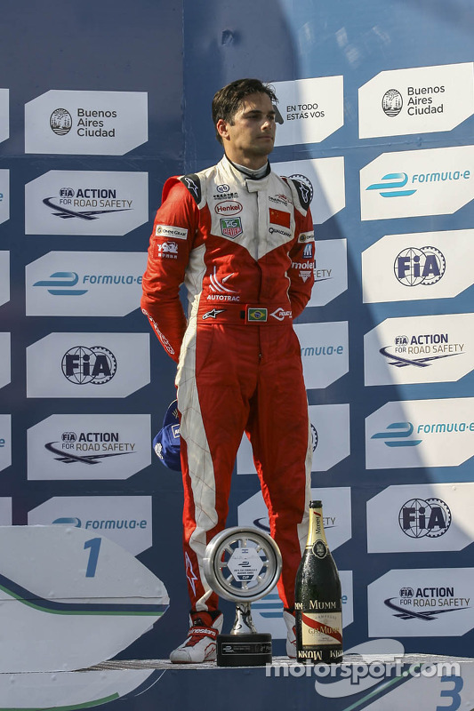 Terceiro lugar Nelson Piquet Jr., China Racing