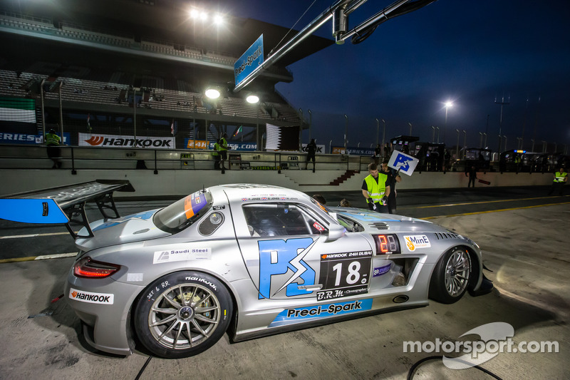 #18进站,Preci - Spark梅赛德斯 SLS AMG GT3: David Jones, Godfrey Jones, Philip Jones, Gareth Jones, Morgan Jones