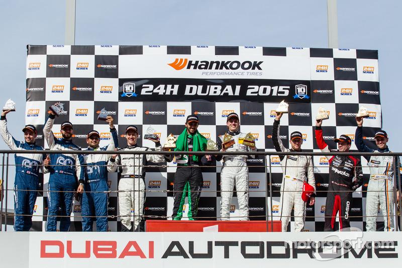 A6-Pro领奖台: 该组别获胜者Abdulaziz Al Faisal and Yelmer Buurman;第二名 Cheerag Arya, Thomas Jäger, Tom Onslow-Cole, Adam Christodoulou;第三名 Paul White, Stefan Mücke, Jonny Adam
