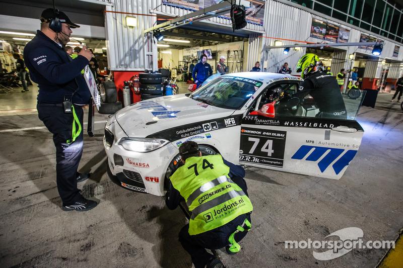 Pit stop for #74 MPB Racing Team BMW M235i Racing Cup: Matias Henkola, Stephan Kuhs, Bernhard Henzel, Jörg Müller