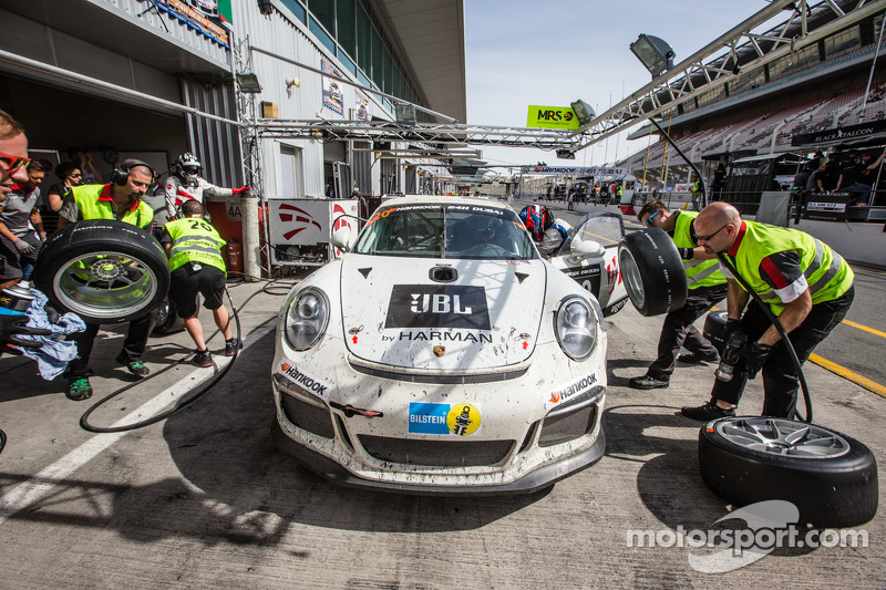 Pit stop untuk #20 MRS GT-Racing Porsche 991 Cup: Manuel Nicolaidis, Olivier Baharian, Thierry Blai