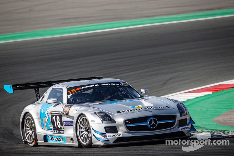 #18 Preci - Spark, Mercedes SLS AMG GT3: David Jones, Godfrey Jones, Philip Jones, Gareth Jones, Morgan Jones