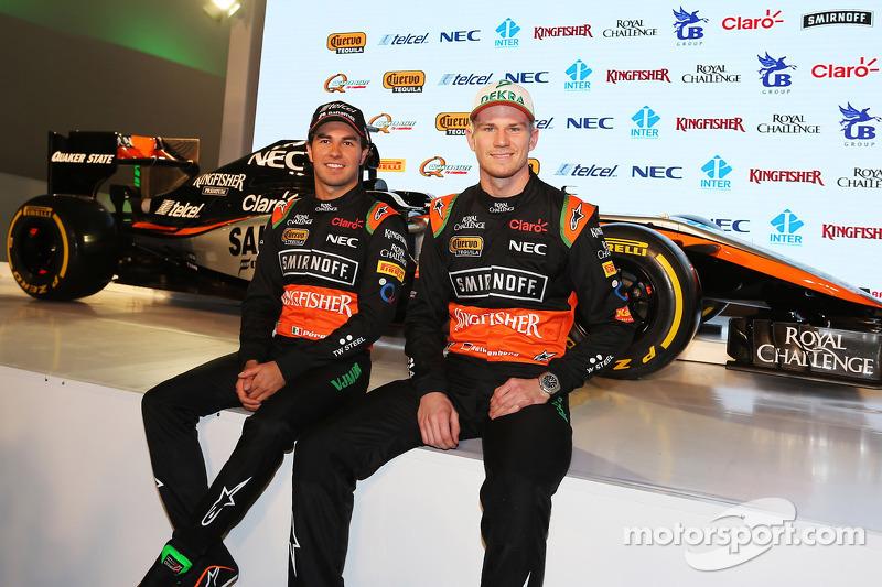 (Von links nach rechts): Sergio Perez, Sahara Force India F1, mit Teamkollege Nico Hülkenberg, Sahar