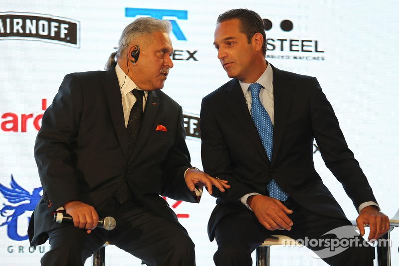 (da sinistra a destra): Dr. Vijay Mallya,titolare della Sahara Force India F1 Team con Carlos Slim,