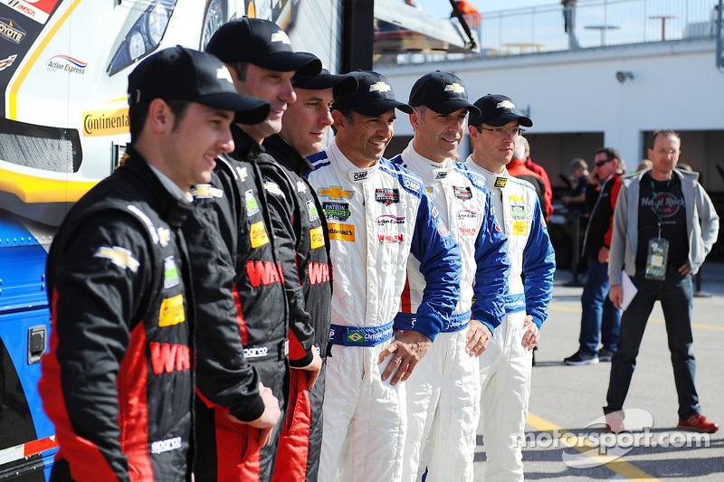 行动快速车队车手们Dane Cameron, Max Papis, Eric Curran, Christian Fittipaldi, Joao Barbosa, Sébastien Bourdai