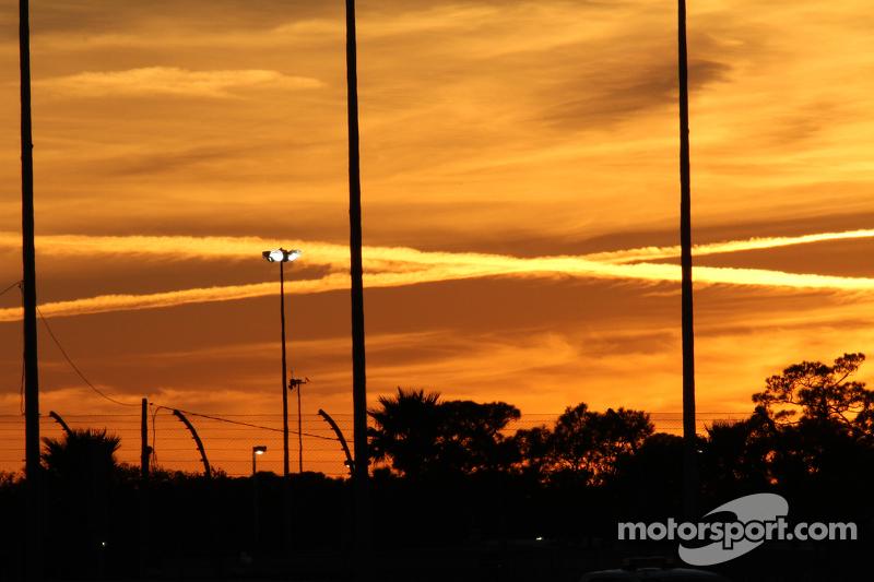 Die Sonne geht unter in Daytona