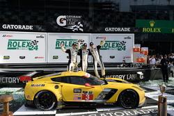 Podio de GTLM : winners Jan Magnussen, Antonio Garcia, Ryan Briscoe