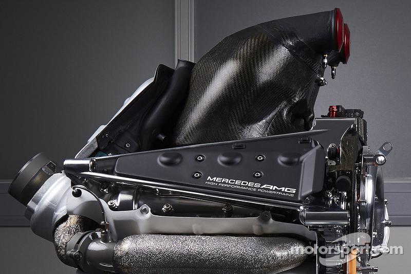 Detalle de la nueva fuente de poder del Mercedes AMG F1 W06
