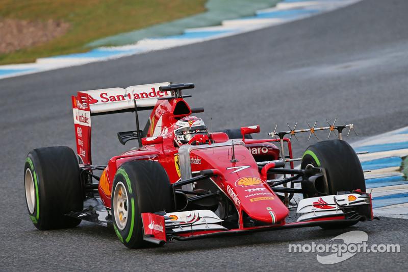 Kimi Räikkönen, Ferrari SF15-T, fährt mit Messgeräten am Auto